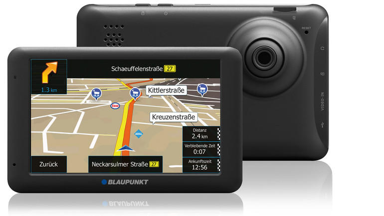 blaupunkt integriert dashcam in navi 4x4 offroad auto. Black Bedroom Furniture Sets. Home Design Ideas