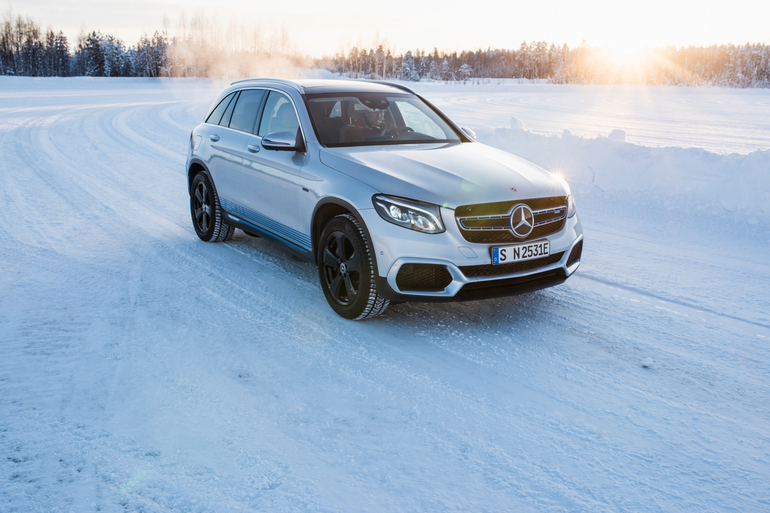 Mercedes-Stromer EQC im Winter-Härtetest